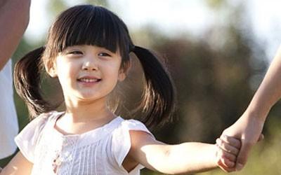 Mẹ nên làm gì khi bé bị côn trùng cắn?