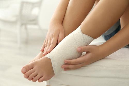 Băng ép vùng cổ chân