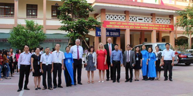 Đoàn đại biểu Bộ Y Tế Cộng hòa Séc đến thăm và làm việc tại Việt Nam năm 2016